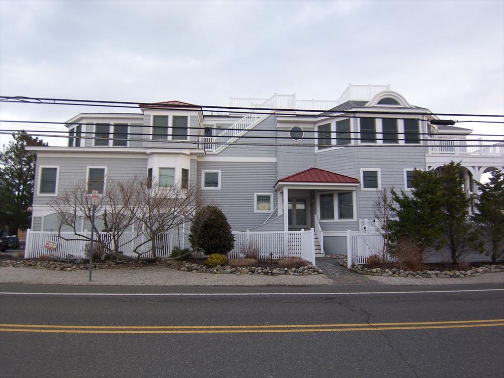 13313 Beach Avenue