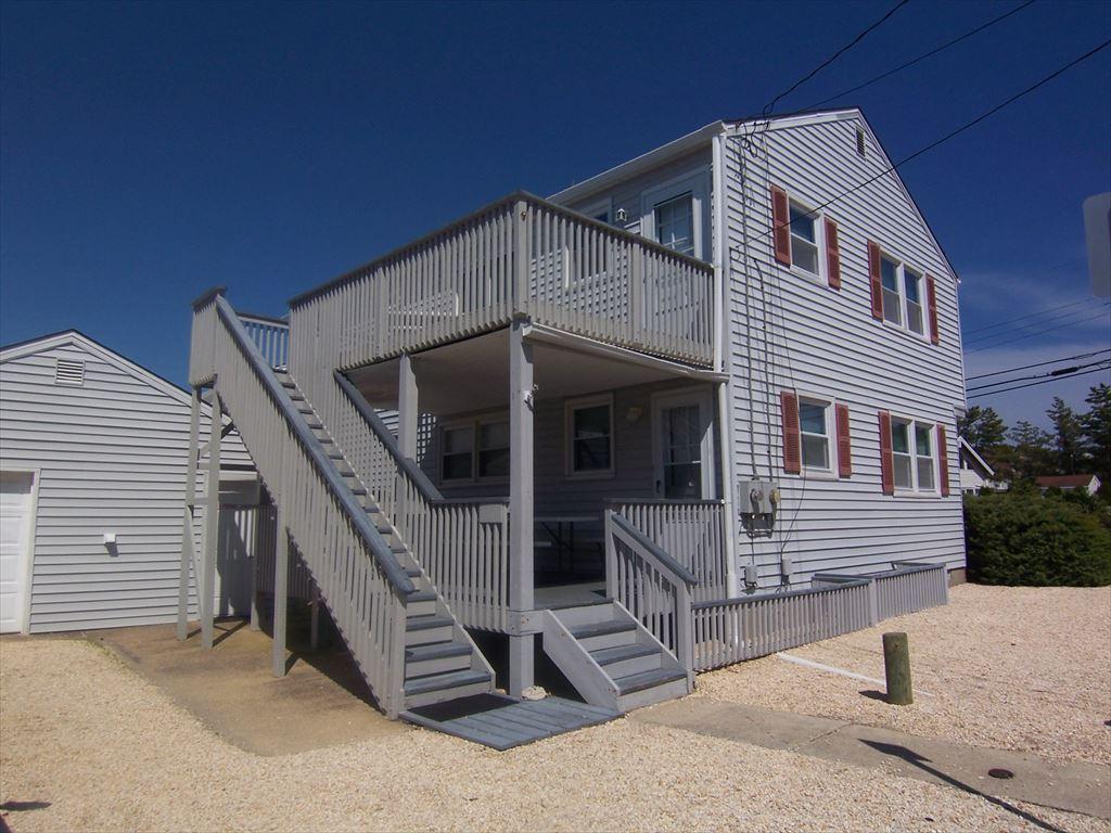 11904 Beach Avenue